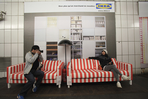 unique brand activation ikea decorates paris metro and makes a splash ideas inspiring. Black Bedroom Furniture Sets. Home Design Ideas