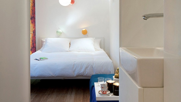 Sleeping-Around-Container-Pop-Up-Hotel_dian-hasan-branding_Antwerp-BE-6