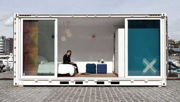Sleeping-Around-Container-Pop-Up-Hotel_dian-hasan-branding_Antwerp-BE-7
