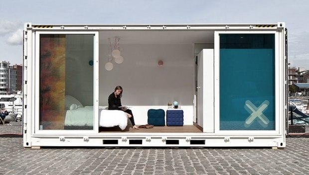 Sleeping-Around-Container-Pop-Up-Hotel_dian-hasan-branding_Antwerp-BE-7