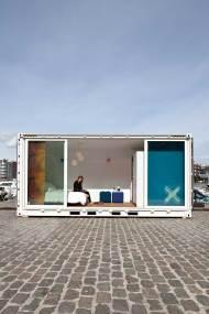 Sleeping-Around-Container-Pop-Up-Hotel_dian-hasan-branding_Antwerp-BE-8